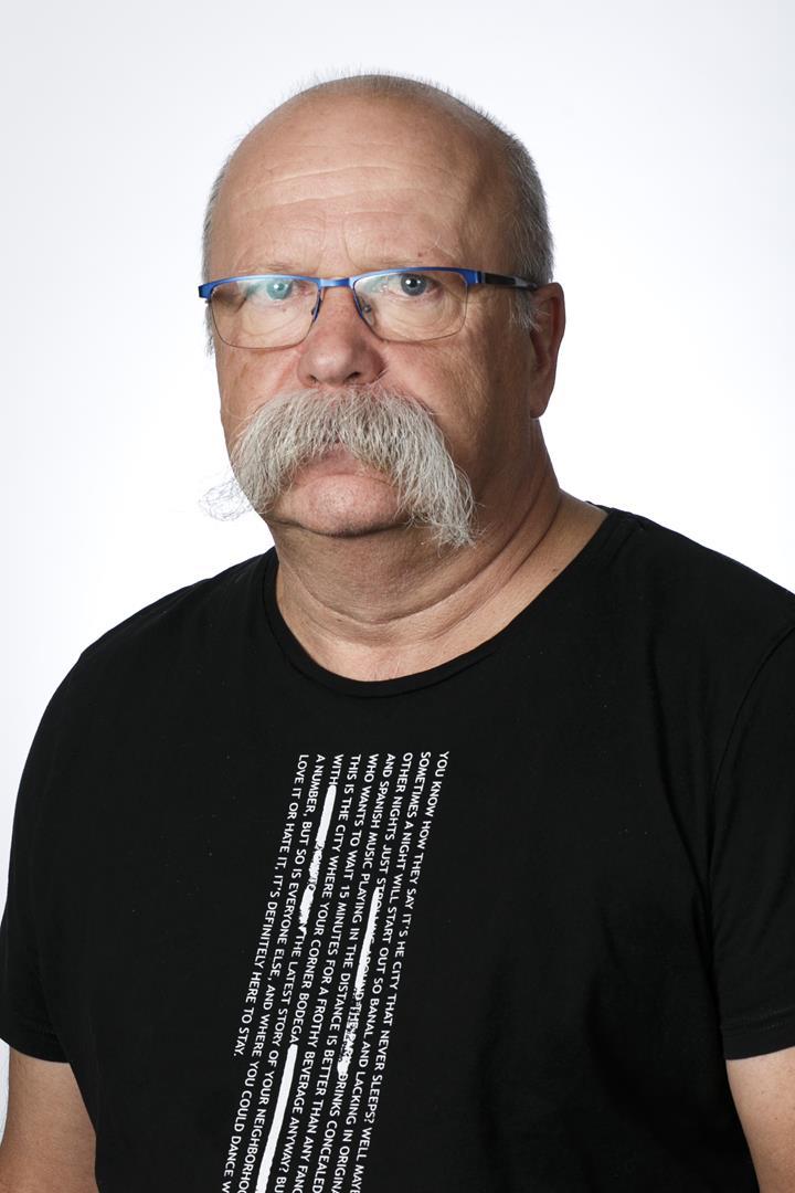 Edward Gruszczyk Geophysics Expert